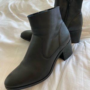 Gianni Bini Black Ankle Booties